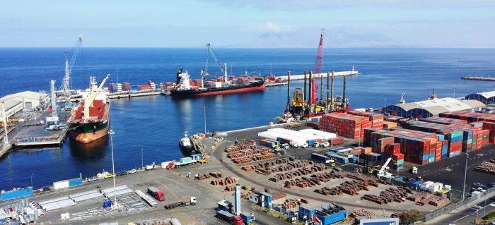 ¿Brotes verdes? Exportaciones industriales muestran primer alza trimestral desde febrero de 2015 e importaciones de bienes de capitales aumentaron 20%