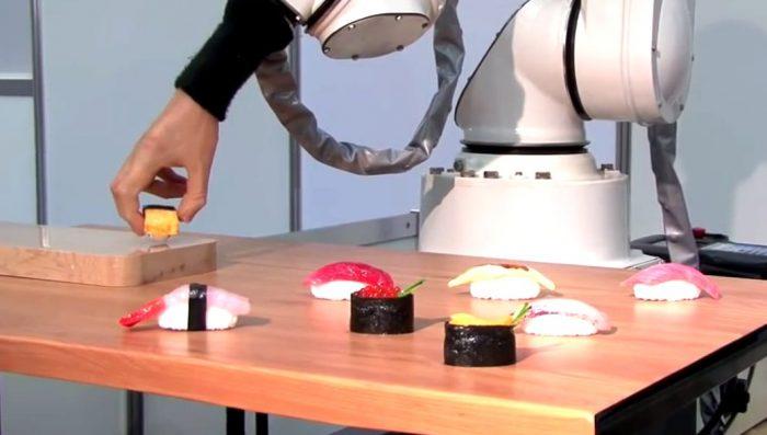 Robots de sushi y máquinas de pizza impulsan la automatización