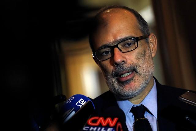 El Ministro Valdés, víctima de la radicalización de la derecha
