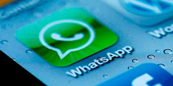Universidad Católica suspende a 19 alumnos por copia vía WhatsApp