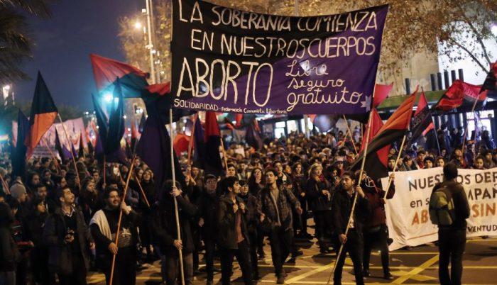 Mujeres marchan por aborto libre, seguro y gratuito