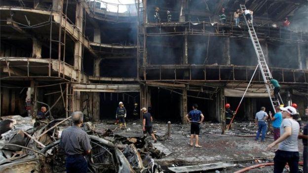 El ataque ocurrió en el distrito de Karrada, Bagdad, mientras las familias realizaban compras al finalizar el Ramadan.