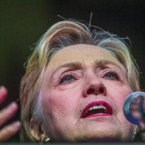 Clinton declara durante más de tres horas ante el FBI por el caso de sus correos