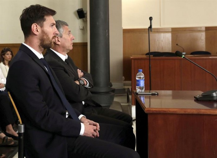 Messi y su padre, condenados a 21 meses de cárcel por defraudar 4,1 millones de euros