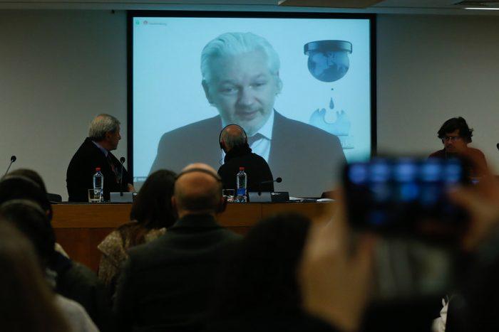 Fundador de Wikileaks, Julian Assange, expuso en seminario de libertad de expresión en Chile
