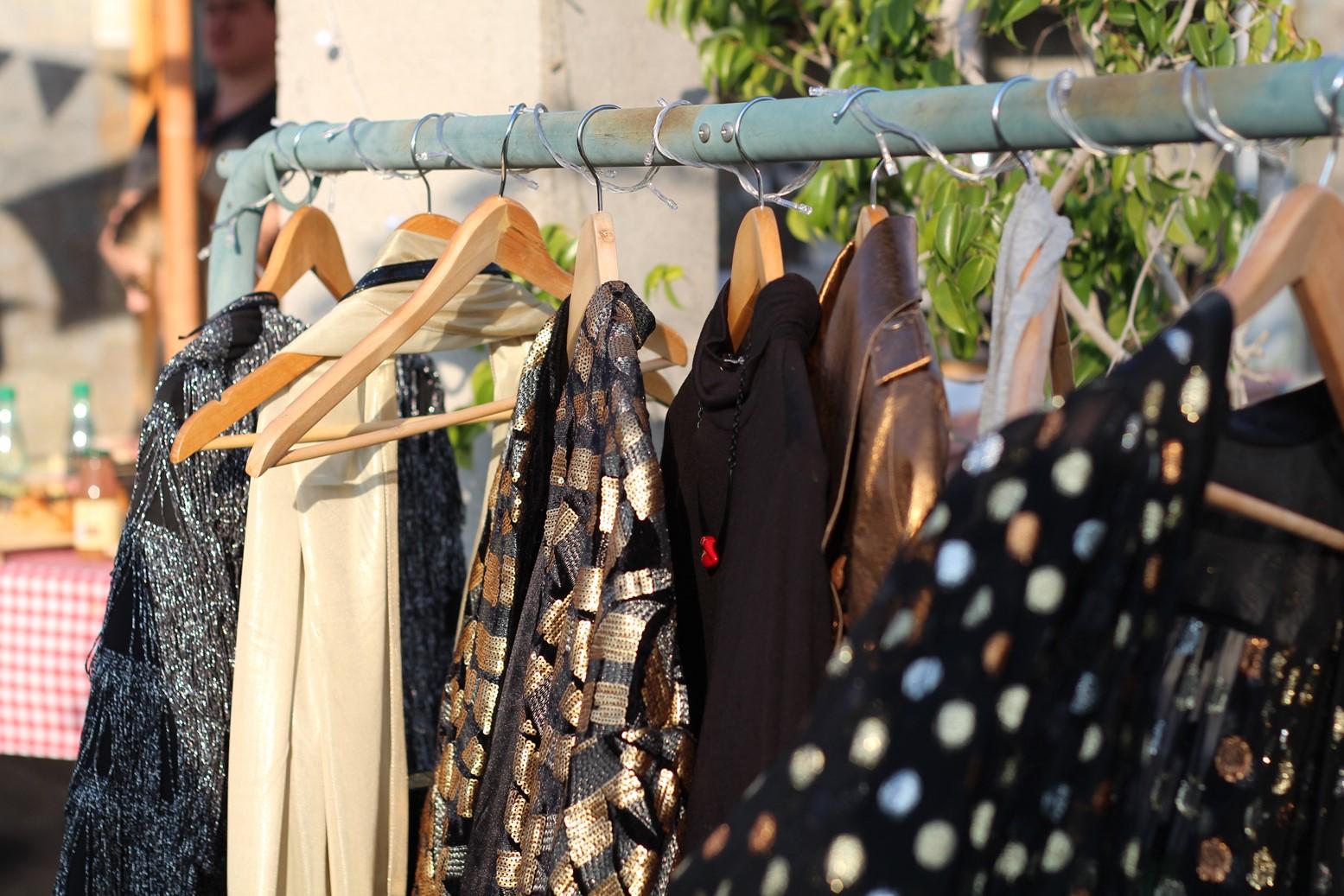 Algunas de las prendas que se fotografiaron en el taller