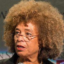 La activista Angela Davis vuelve a Chile después de 44 años para encuentro cultural