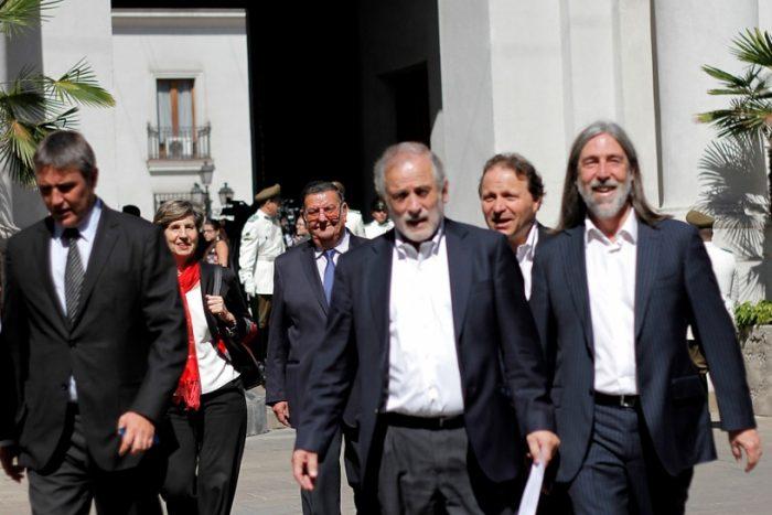 Senadores PS le rayan la pintura a Andrade y respaldan que caso de su esposa pase al Tribunal Supremo del partido