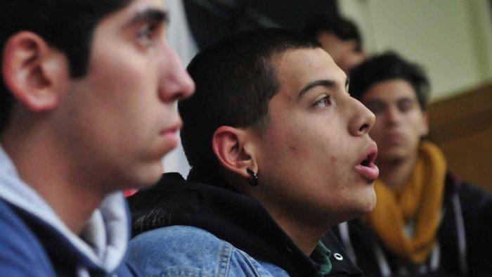 Estudiantes piden salida de Ministra Delpiano: