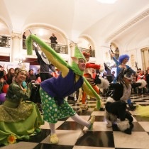 Con carnaval y magia del ilusionista Jean Paul Olhaberry partió Famfest 2016