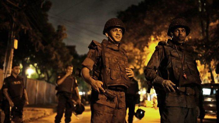Ataque islamista con rehenes causa 2 muertos en corazón diplomático de Dacca