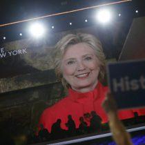 Hillary se dirige a las niñas de EEUU: