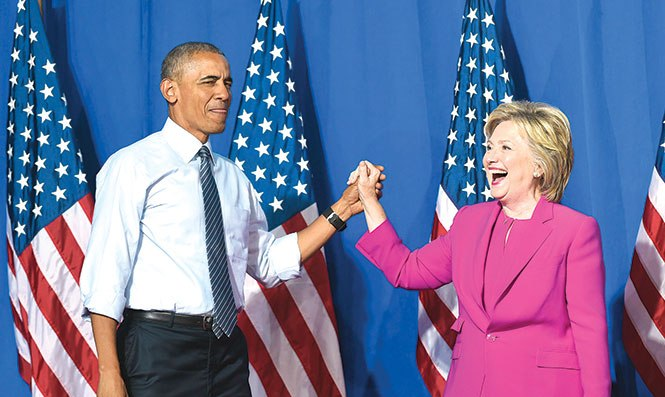 Hillary Clinton se libra de la Justicia, pero no del escándalo