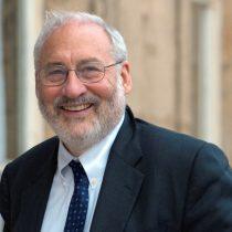 Nobel de Economía Joseph Stiglitz: que Apple pueda registrar gran parte de sus ganancias en Irlanda es