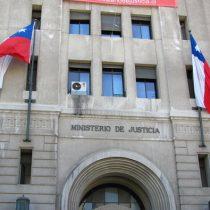 Coronel de Gendarmería cuya pensión fue objetada por Contraloría ahora es asesor de la ministra Javiera Blanco
