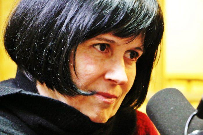 EL PC  sale a enfrentar decisión de Bachelet y respalda a destituida rectora Roxana Pey