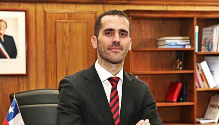 Subsecretario de Justicia ofició a contralor para que no hubiera tope en millonarias jubilaciones de Gendarmería