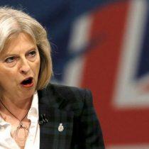 Primera ministra británica pide redoblar esfuerzos para derrotar a terroristas