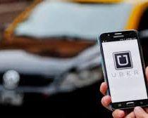 Taxistas protestan contra Uber que permitirá pagar en efectivo