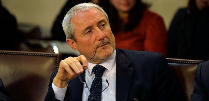 """Aldo Valle, vicepresidente del Cruch: """"En la práctica se consolidará el mercado privado transfiriendo mayores recursos públicos a ese sector"""""""