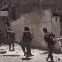 [VIDEO] La batalla de Alepo continúa entre el Ejército sirio y los rebeldes: cortan la única vía de entrega de ayudas humanitarias