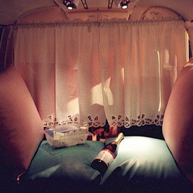 Los vuelos de Flamingo Air incluyen champaña y chocolates