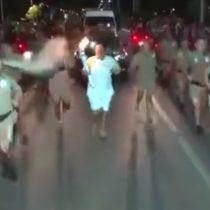 [VIDEO] Otro intento fallido de manifestante por apagar la antorcha olímpica en Brasil