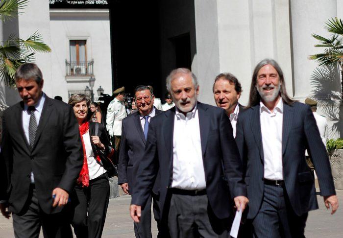 Senadores socialistas le rayan la pintura a  Andrade y respaldan que caso de su mujer pase al Tribunal Supremo del partido