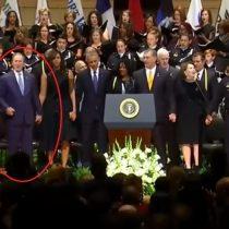 [VIDEO] El desubicado baile de George W. Bush que incomodó a todos en el funeral de los cinco policías de Dallas