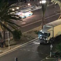 [VIDEO] Atentado en Niza: al menos 30 muertos deja el atropello de un camión a una multitud
