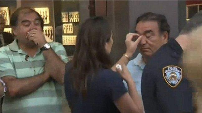 Chilenos fueron golpeados tras dar propina de US$1 a modelo en topless en Nueva York