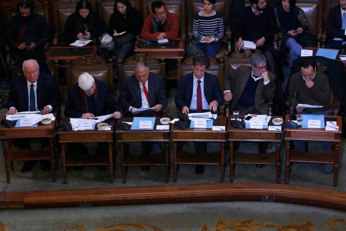 Informe del Ministerio de Hacienda revela que los sueldos de los parlamentarios chilenos son los más altos del mundo