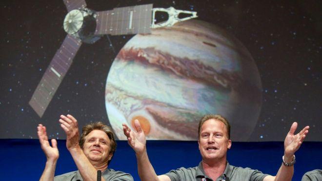 La sonda espacial Juno de la NASA ingresa con éxito en la órbita de Júpiter