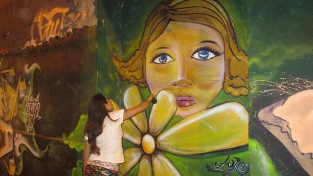 "Obra de Patricia Barahona, alias ""Lore""."
