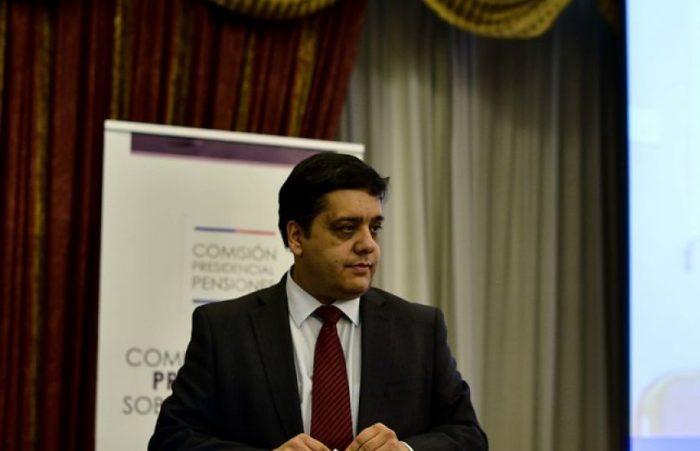 La ley del ex: David Bravo pone en duda credibilidad de cifras de desempleo de U. de Chile