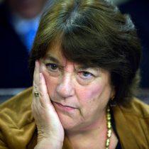 Delpiano responde a críticas por permanencia del CAE y dice que los bancos integran el sistema porque
