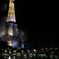 [VIDEO] Incendio en la Torre Eiffel minutos después del atentado en Niza fue producto de un accidente con pirotecnia
