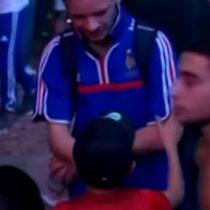 [VIDEO] Niño portugués consuela a fanático de la selección de Francia tras partido final de la Eurocopa 2016