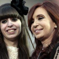 Juez ordena embargar 5,7 millones de dólares a la hija de los Kirchner