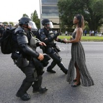 EE.UU.: la imagen que se volvió un ícono contra la violencia racial