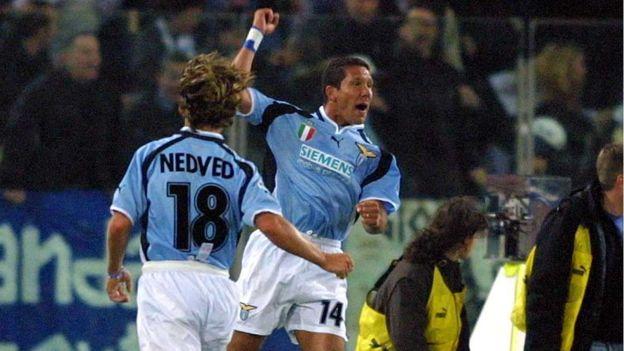 Con el argentino Simeone y el checo Nedved, la Lazio consiguió en 2000 su último título italiano.