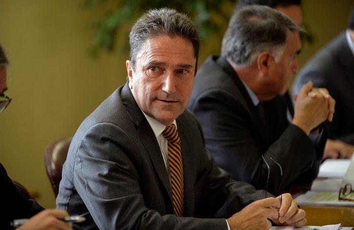 Gómez se defiende ante criticas por reunión que habría sostenido con Carroza: