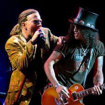 Guns N' Roses aterriza en Chile con integrantes históricos