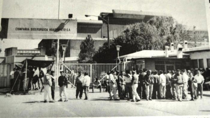 """Presentación del libro """"Historia del Movimiento Sindical de Huachipato 1970-2013"""" en Salón Ricardo Donoso de la Biblioteca Nacional, 8 de Julio"""