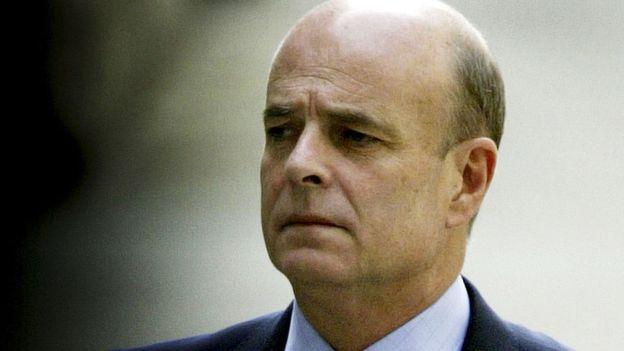 John Scarlett presidió el Comité Conjunto de Inteligencia al momento de la publicación del informe de 2002 sobre armas en Irak.