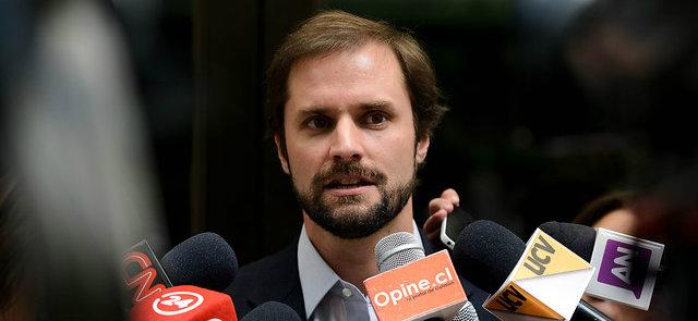 Diputado Jaime Bellolio denuncia que Cuba le prohibió el ingreso a la isla