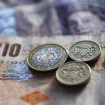La libra esterlina pierde relevancia como moneda de reserva
