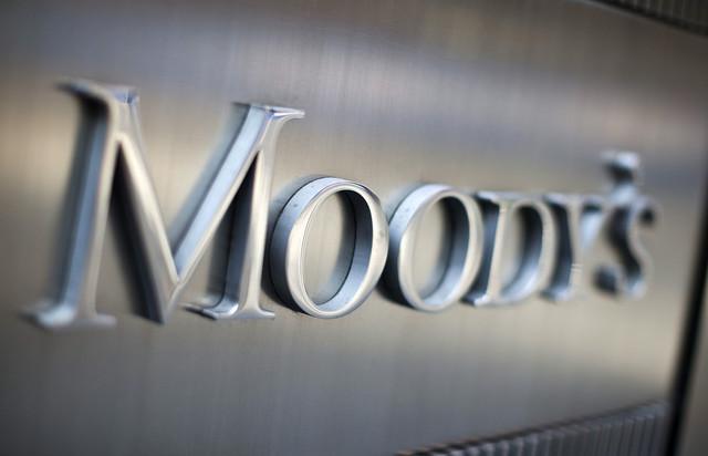 Moody's advierte que repunte económico no será suficiente para aliviar presión fiscal ante mayores demandas sociales