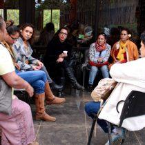 Mujeres de Rapa Nui piden derogar artículos que benefician a violadores y agresores en la isla
