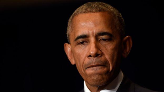 El presidente de EE.UU., Barack Obama, lamentó las muertes de Sterling y Castille desde Varsovia (Polonia) donde asistirá a una cumbre de la OTAN., pero también condenó el ataque contra los policías.